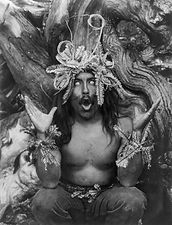 chanting-shaman-during-rituals.jpg