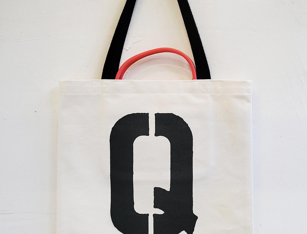 Q FOR Quokka TOTE BAG