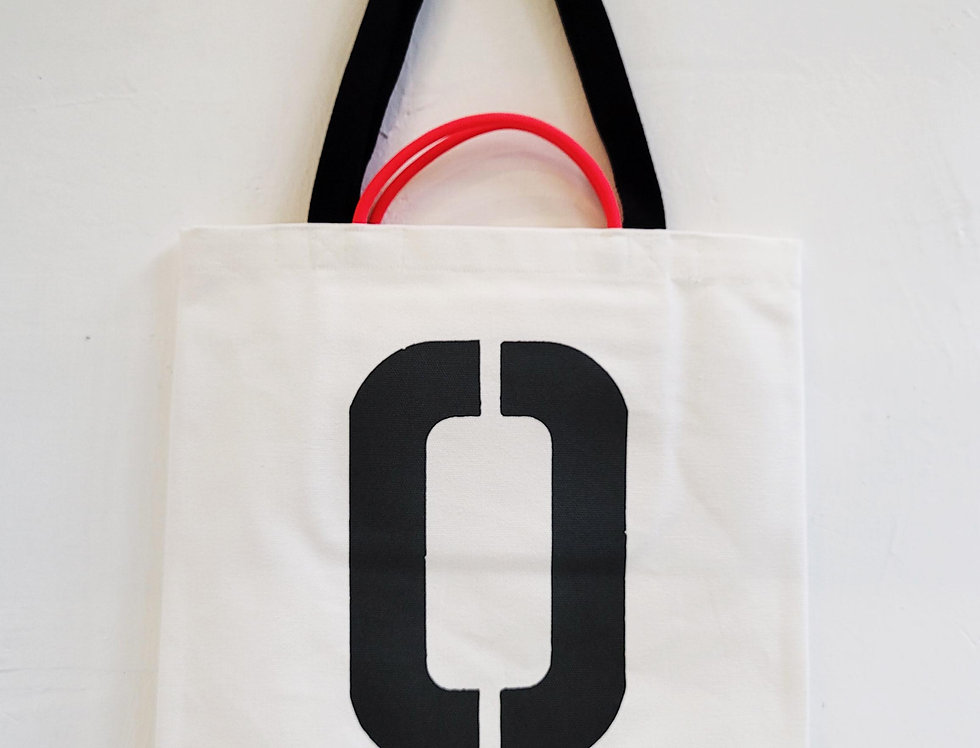 O FOR Otter TOTE BAG