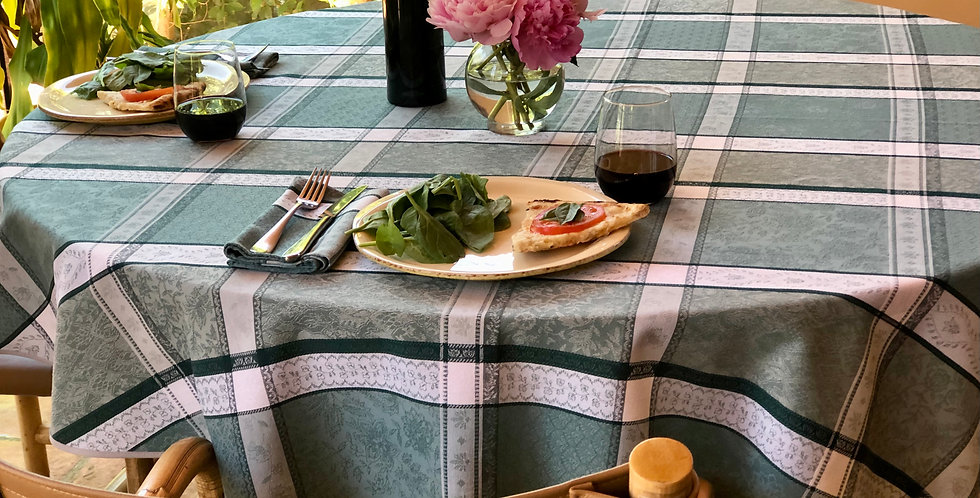 """French Tablecloth Jacquard 70"""" Round Sage Maussane"""