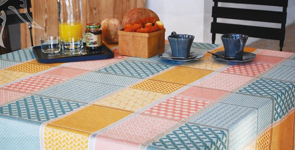 "Peach Oscar 70"" Round Jacquard Woven Tablecloth"
