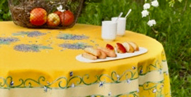 """French Tablecloth Coated 70"""" Round Yellow Bouquet of Lavender"""