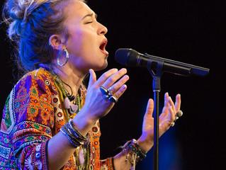 Álbum de cantante cristiana en primera posición de la lista Billboard