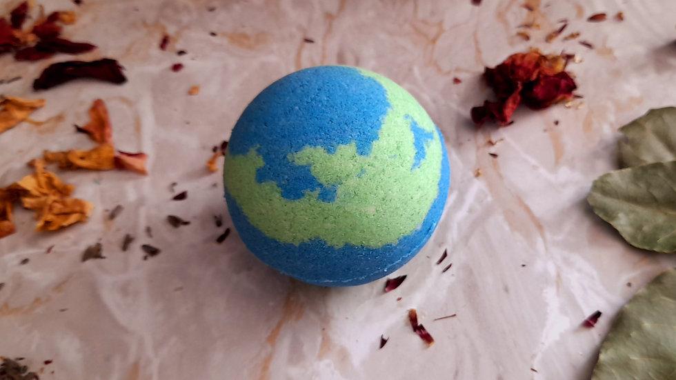 Earth Bubble Bath Bomb Lemongrass & Eucalyptus 150g