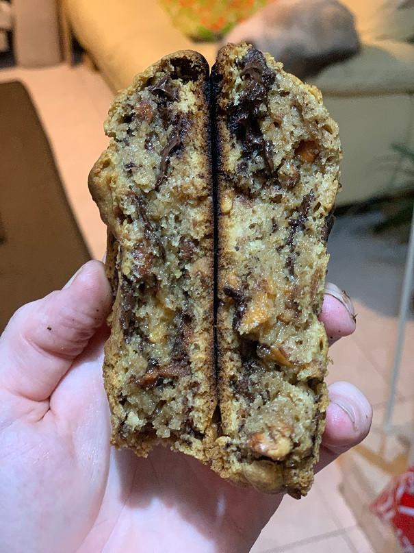 עוגיות שוקולד צ'יפ עוגיה גדולה מתכון קל להכנה כמו באמריקה
