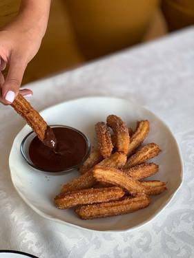 צ'ורוס ומטבל שוקולד צ'ילי