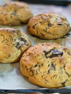 עוגיות שוקולד צ'יפ מפלצתיות