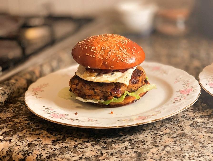 מתכון המבורגר טבעוני מפטריות ובצל
