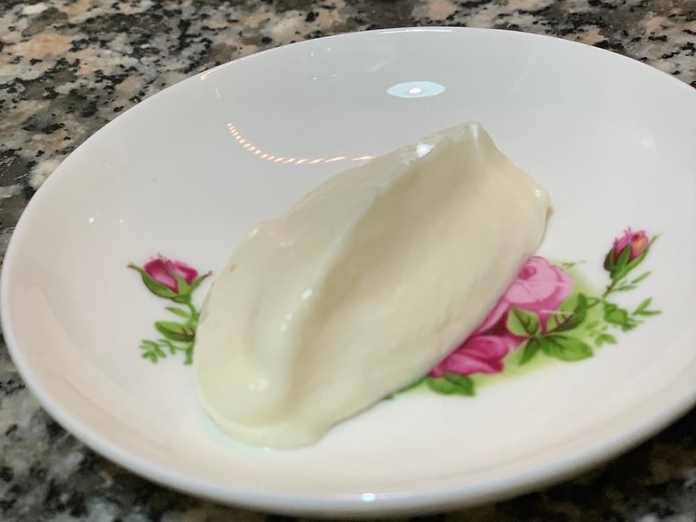 מתכון רוטב שום לבנוני איולי טבעוני רוטב ת'ום מושלם מיונז ללא ביצים