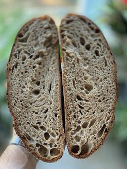 המדריך המלא לאפיית לחם מחמצת