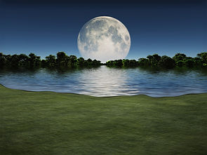 MoonriseOverLake_Fotolia_68659504_XS.jpg