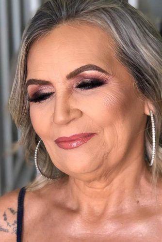 makeup-for-older-women-natural-lipgloss-