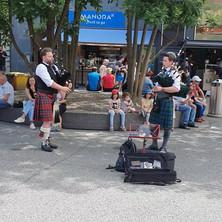 Zemmi The Bagpiper und Matthias Colombini, Highland Catherdal