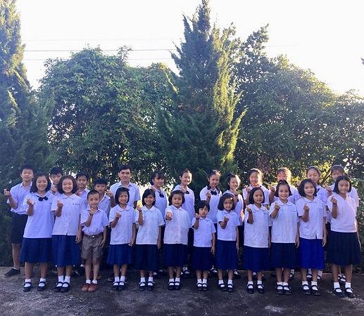 HBO'Kids in school uniform