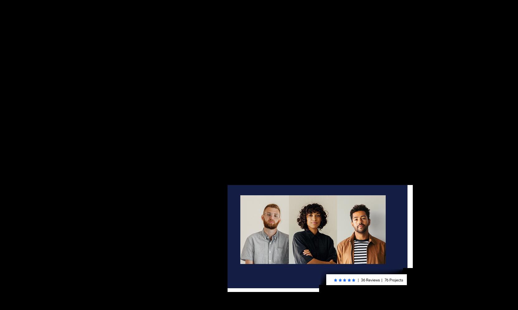 Wix Marketplace'ten tutulan bir ajansın sahibi olan üç kişinin portre fotoğrafı.