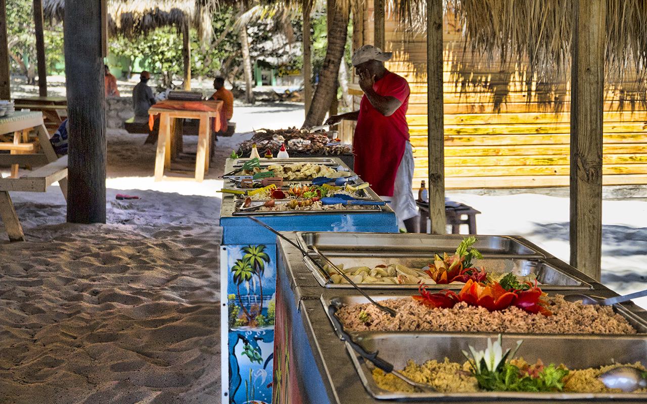 Lunch buffet in Cartalina island