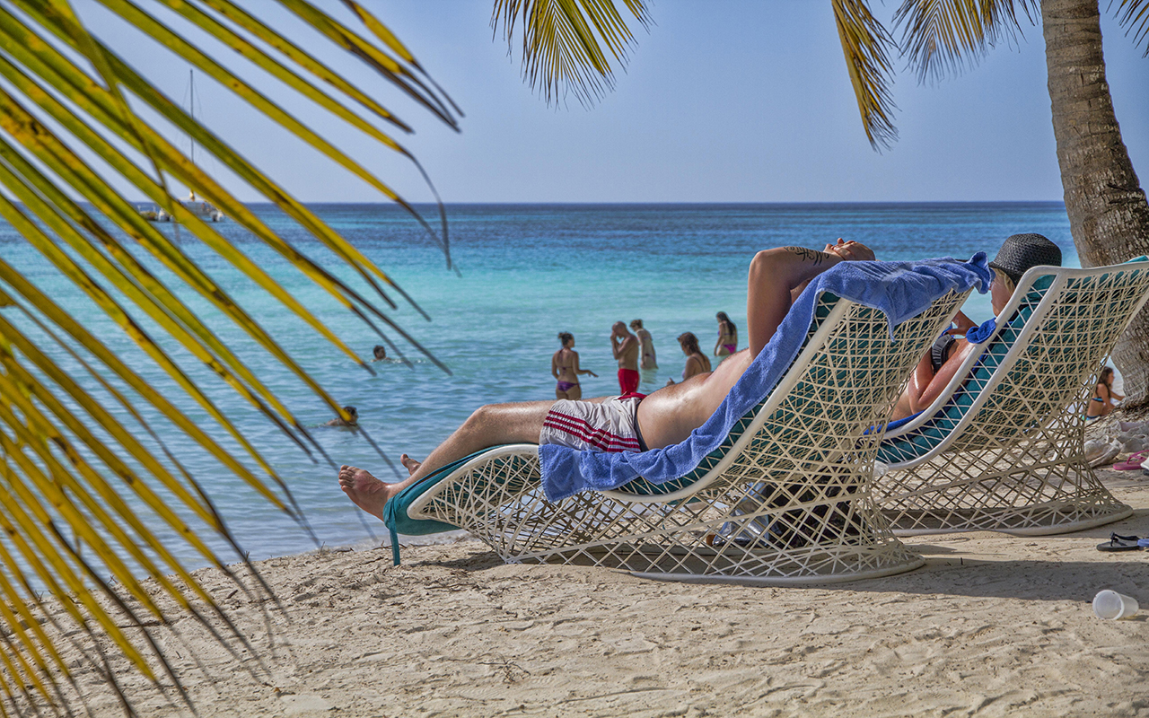 Relax en playa Saona Caracol