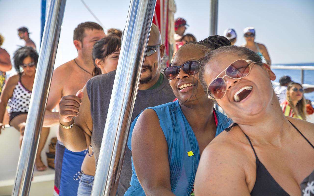 Fiesta en el Catamaran