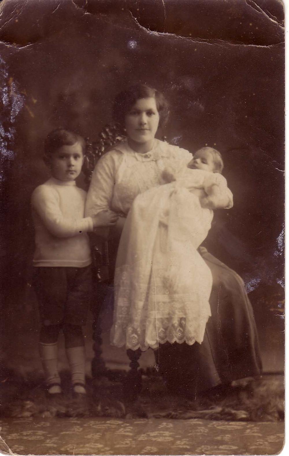 FannieHarryBernard1912.JPG