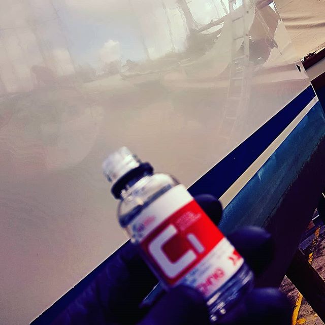 Applying protection _#gtechniq #c1 #sailing #boating #boatvaleting #marinedetailing _www.boatvaletin