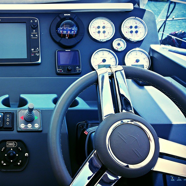 Instagram - Cockpit of a Sealine S450 #yacht #powerboat #sealine #boatvaleting #