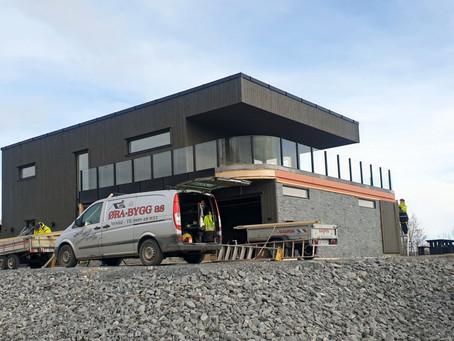 Glassrekkverk og bueglass på Inderøy