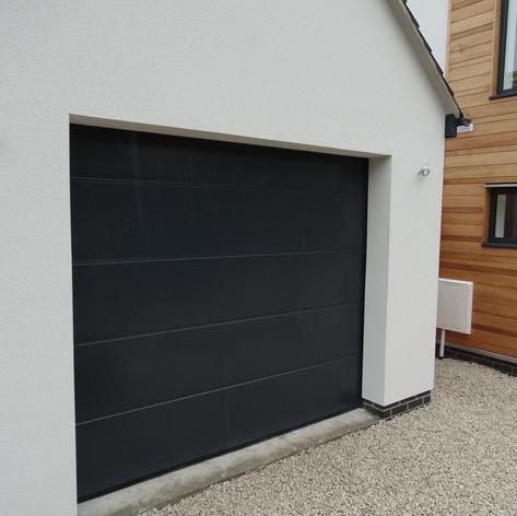 L-panel - 9004 Sort
