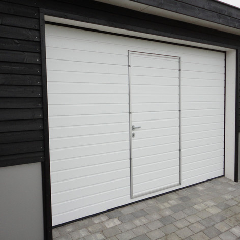 S-panel med gangdør - 9016 Hvit