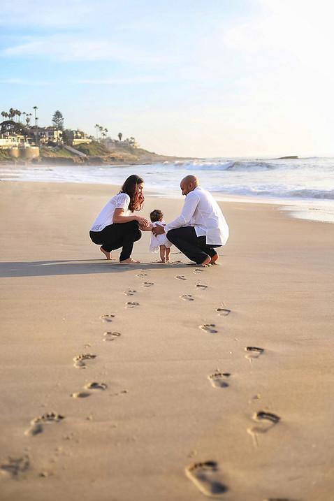 familly photo at Windansea Beach San Diego