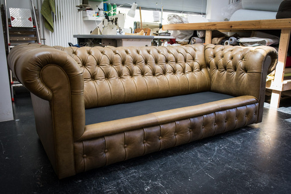 Chesterfield_Reupholster_Lo_Res-9.jpg