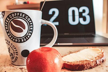 bread-breakfast-butter-907810.jpg