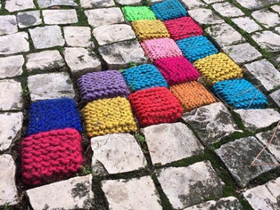 Kezaco : le Yarn Bombing
