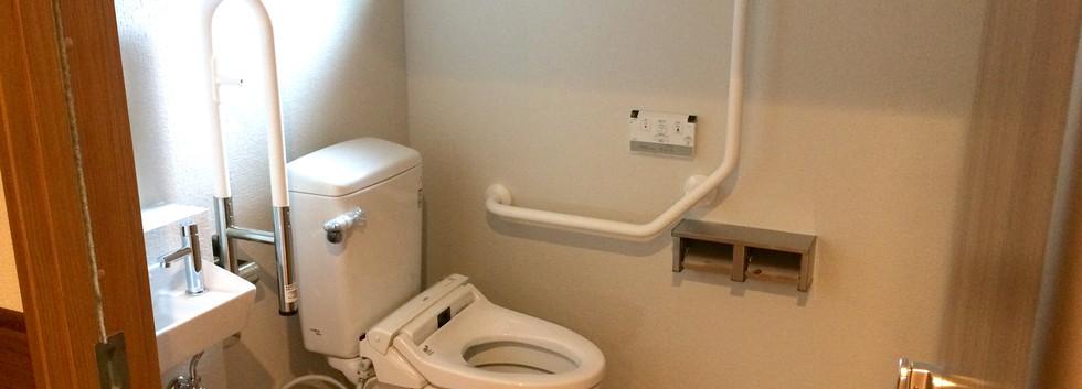 施設用トイレ(ユニットではありません)