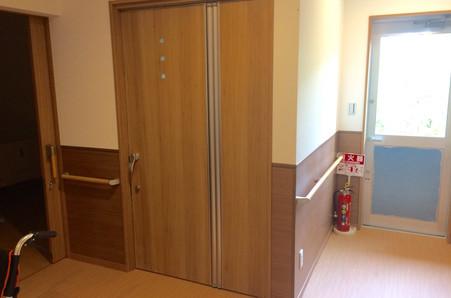 施設用ドア
