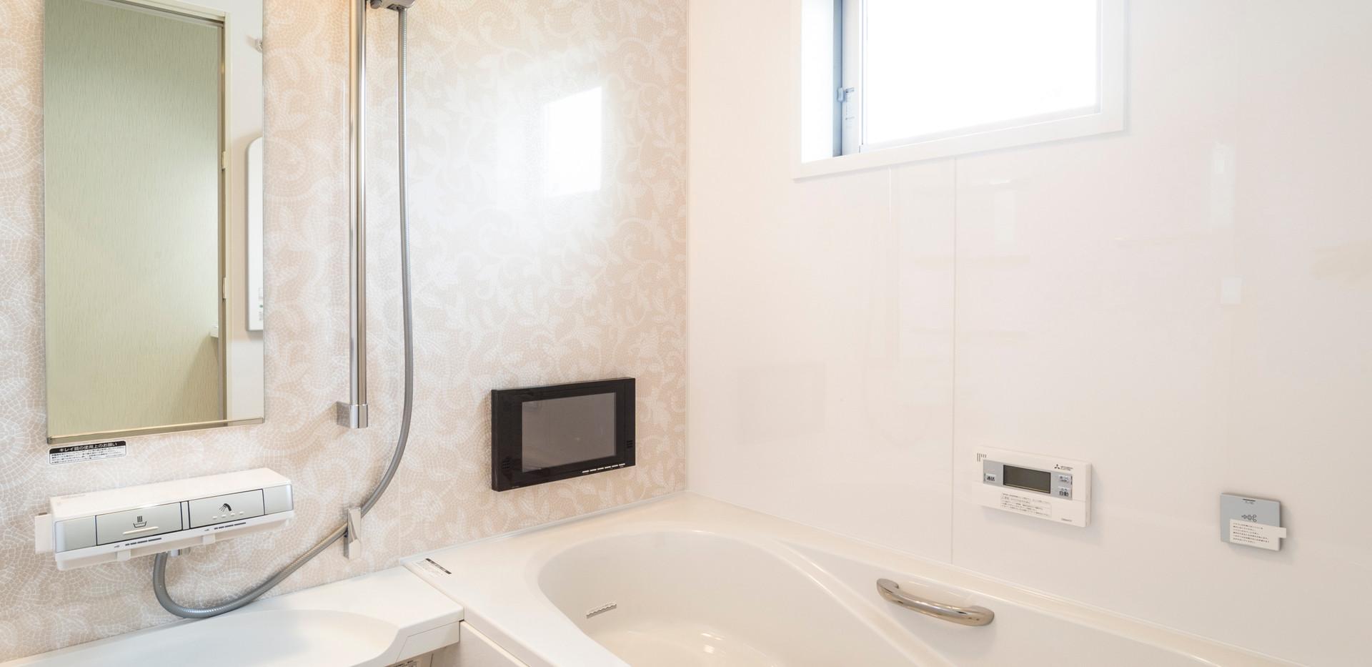 バスルーム 1616サイズ テレビ付き