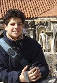 Carlo Acutis con telecamera.jpg