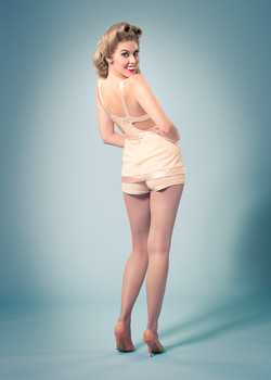 Betty Grable style