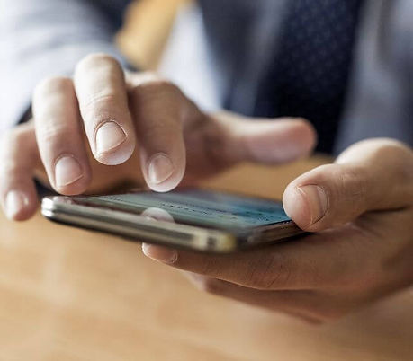 photo-sliver-businessman-use-mobile-smar
