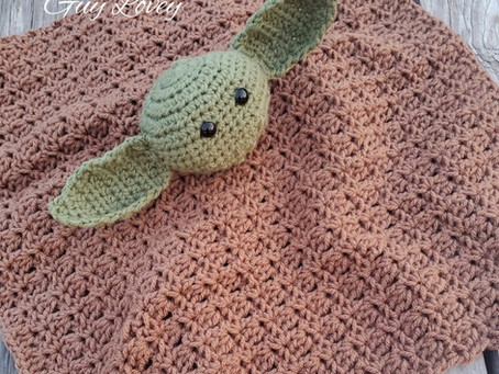 How to Crochet the Green Wise Guy Lovey Blanket