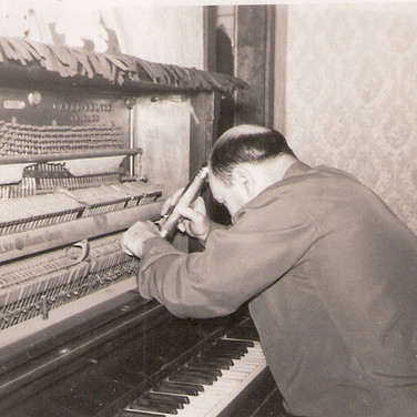 Elmer and the Piano