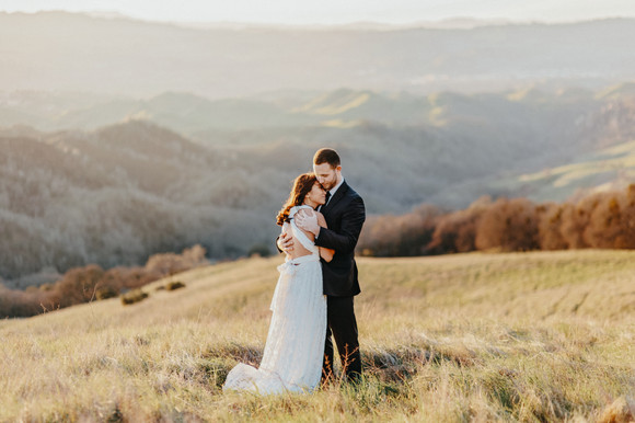 engagement photos with rolling hills