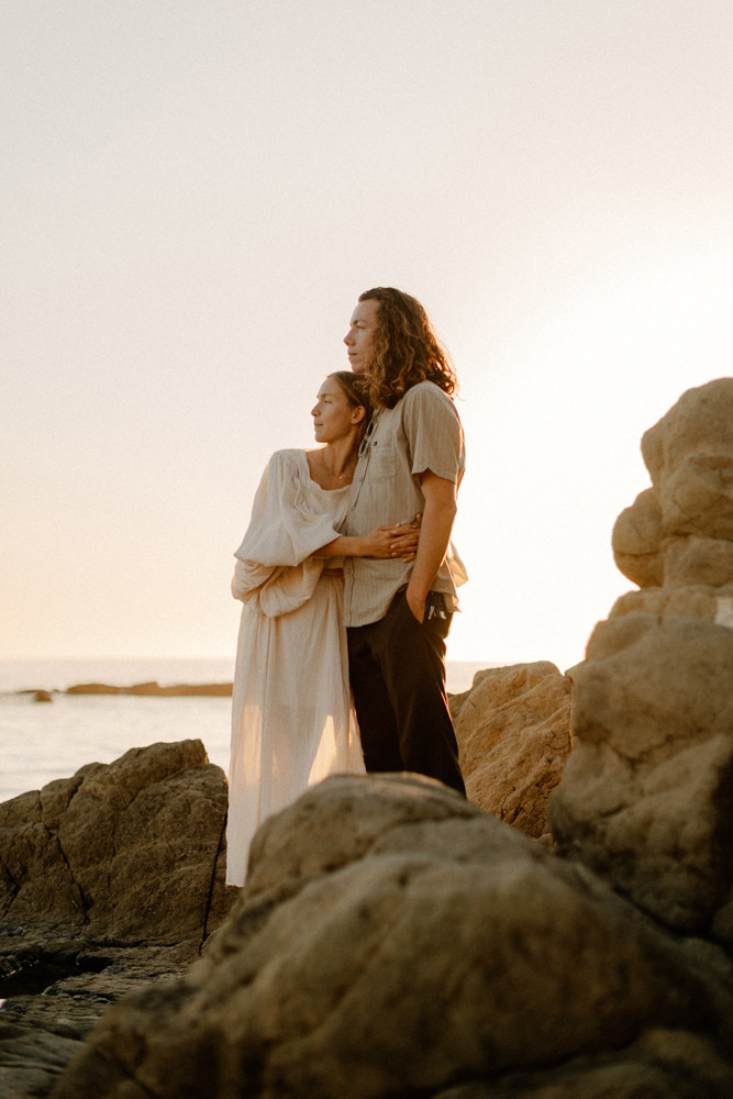 divers cove laguna beach sunset engagement session