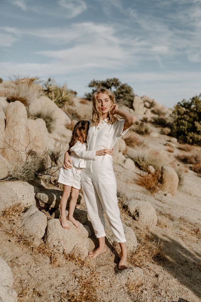 mother daughter desert lifestyle photographer