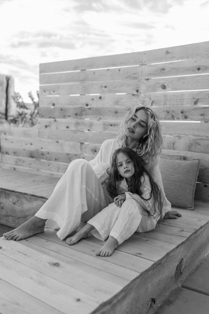 mother daughter desert lifestyle photoshoot