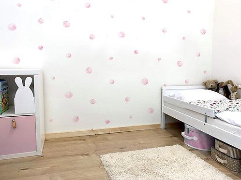 samolepící vodovkové puntíky na stěnu