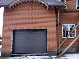 ворота подъемные секционные на гараж