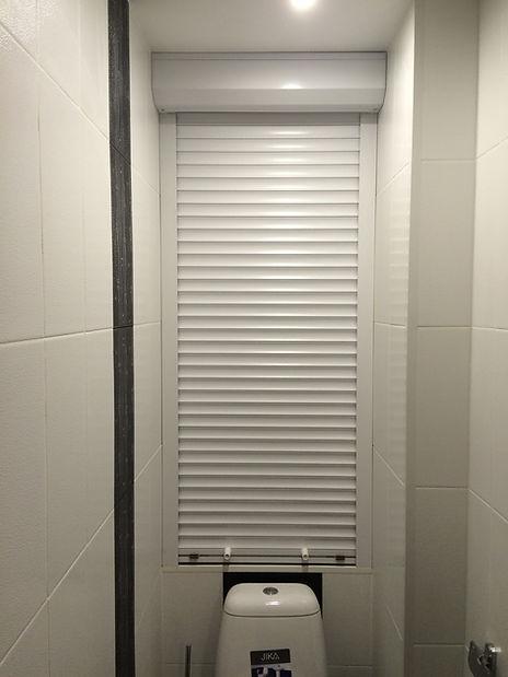 жалюзи в туалете за унитазом купить