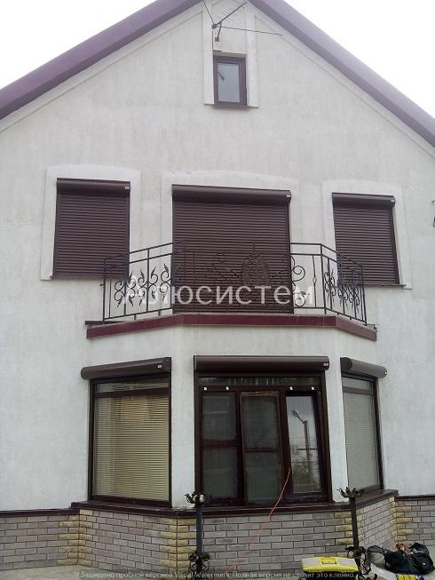 Рольставни на окна загородного дома г. Отрадное