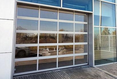 ворота из стекла.jpg
