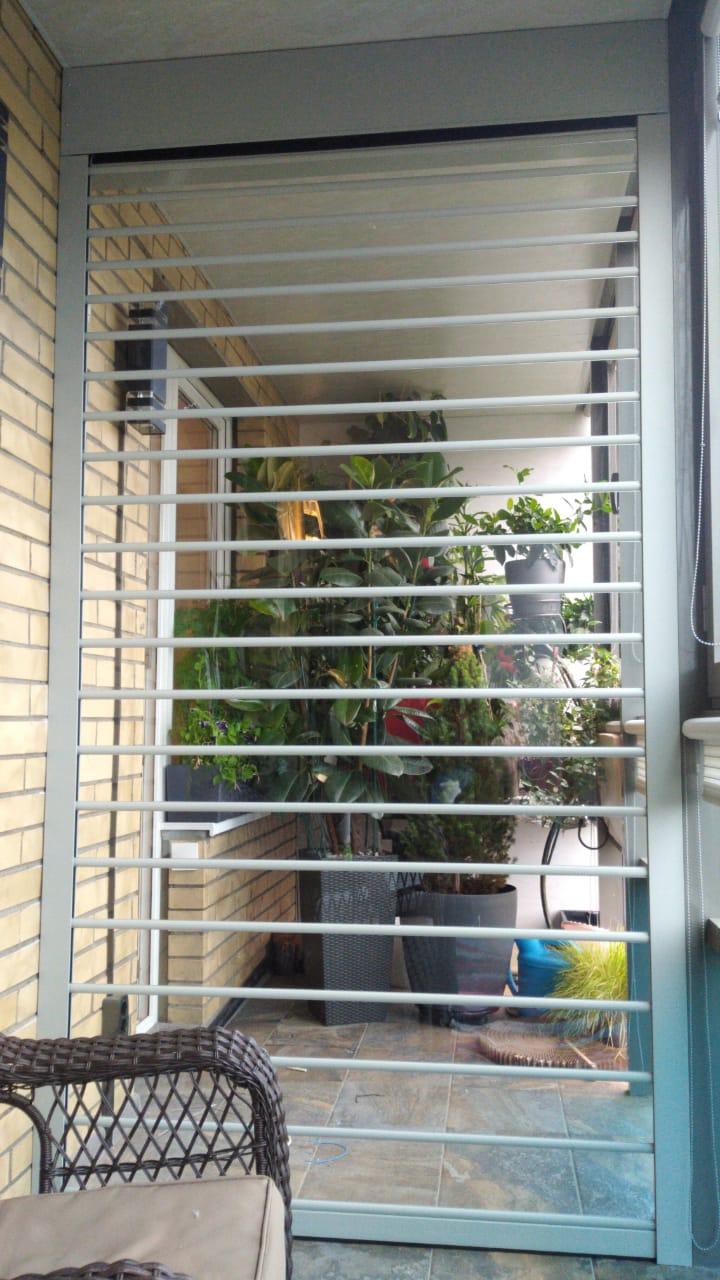 прозрачные роллеты на балконе